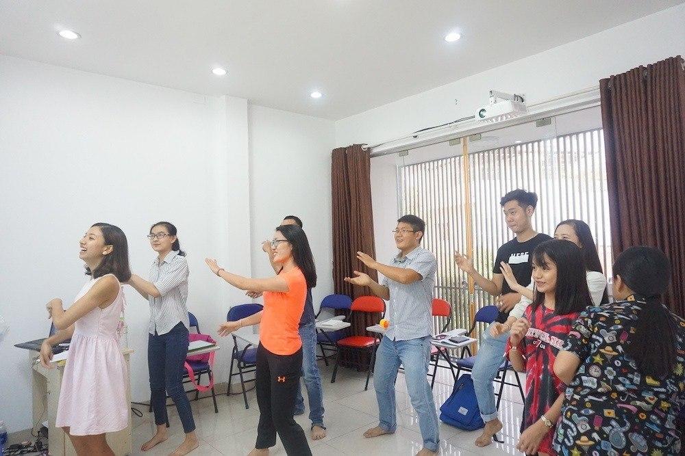 Tham gia nhiều hoạt động bổ ích trong lớp học tiếng Anh KISS English